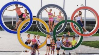 """Более 60 детей занимается сегодня на отделении фигурного катания """"СТЕРХ"""""""
