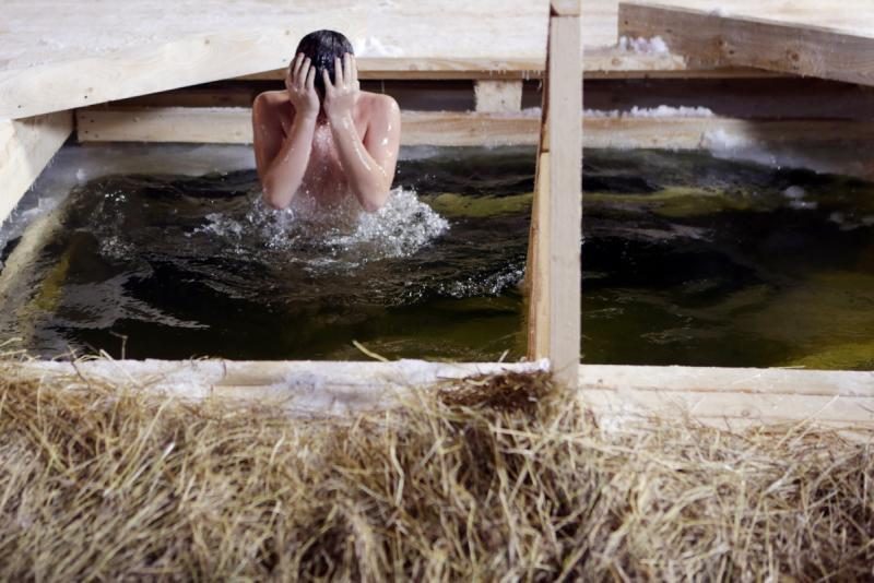 В РФ будут открыты неменее 3,5 тыс. мест купания вКрещение
