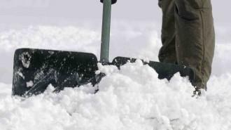 snowiq_-_winter_street_shovelling6047