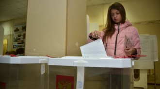 Выборы 2016. Избирательный участок 488 Алексеевского района.  Первые голосующие. На снимке: Александра Сигачева