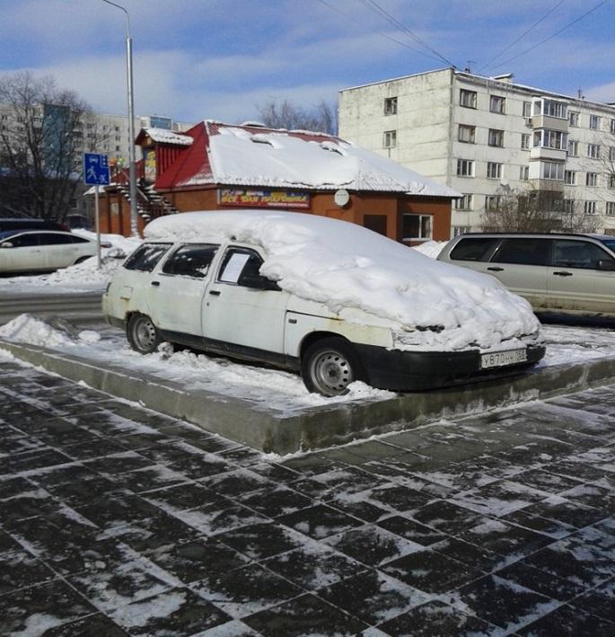 ВАЗ  грз У870нк150, брошен на ул. Высотная. д.7