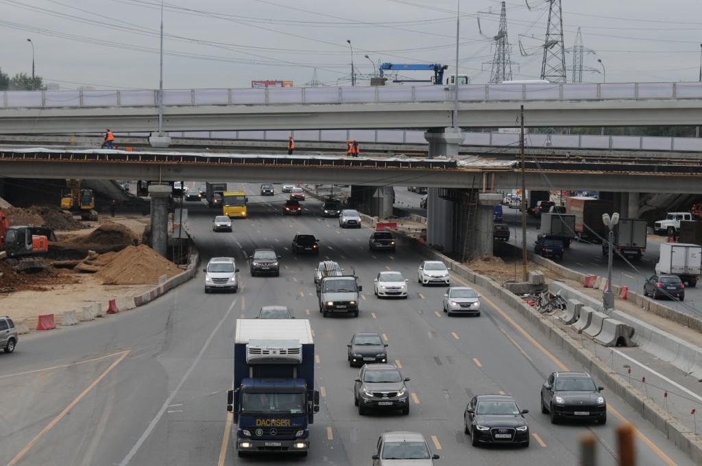 Новая дорога сделала выезд из Метрогородка более комфортным. Фото: архив