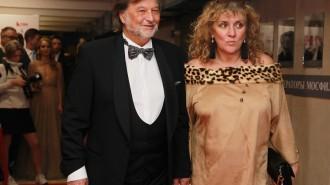 На фото: советский и российский композитор Алексей Рыбников со своей женой
