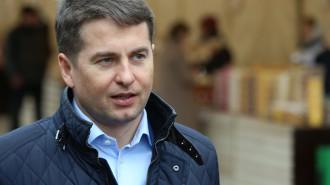 На фото руководитель Департамента торговли и услуг Москвы Алексей Немерюк