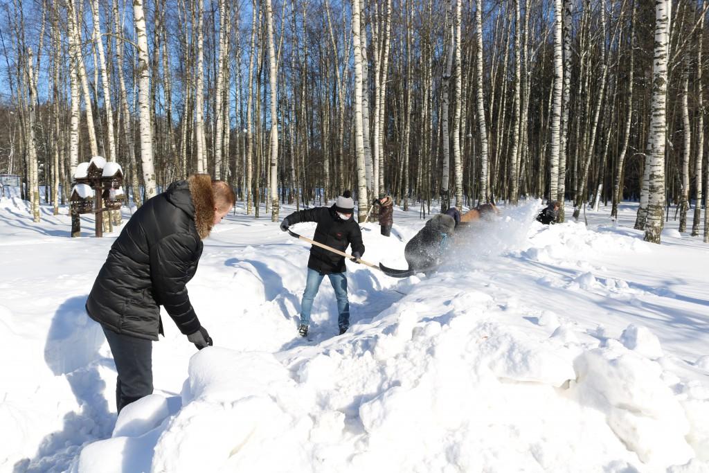 Москвичей приглашают присоединиться к акции по уборке памятников солдатам