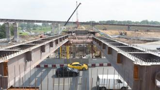 Город выделил 70 гектаров земли под строительство новых транспортных объектов с начала 2021 года. Фото: архив