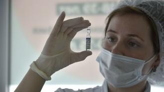 Вакцинацию от коронавируса прошли 77% сотрудников органов власти Москвы. Фото: архив